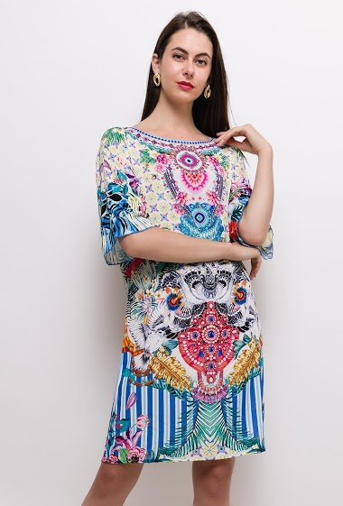 The model measures 175cm and wears S/M. Length:90cm