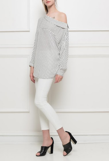 Blosue with stripes, buttons on the sleeves