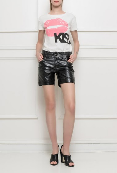 Shorts in imitation leather, fancy studs