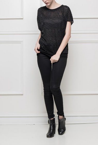 Loose t-shirt with pattern
