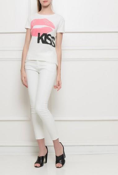 T-shirt à manches courtes, bouche imprimé, coupe basique