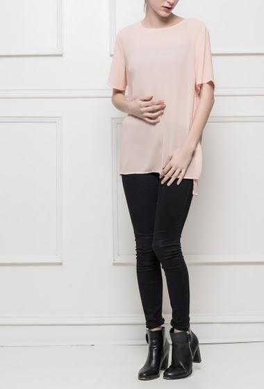 Transparent top with short sleeves, side slits, regular fit