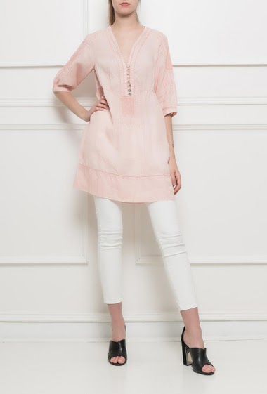 Tunic with V neck and pearly buttons, flared fit, 3/4 sleeves