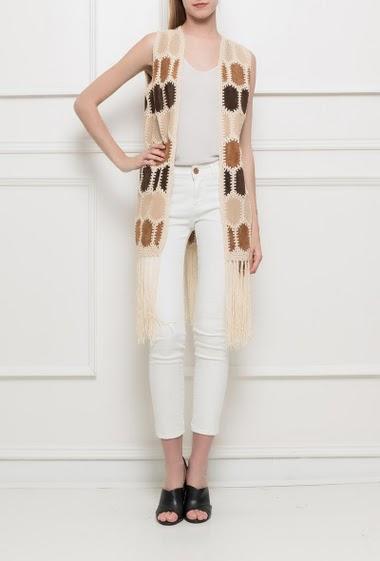 Sleeveless jacket in suede, fringe border