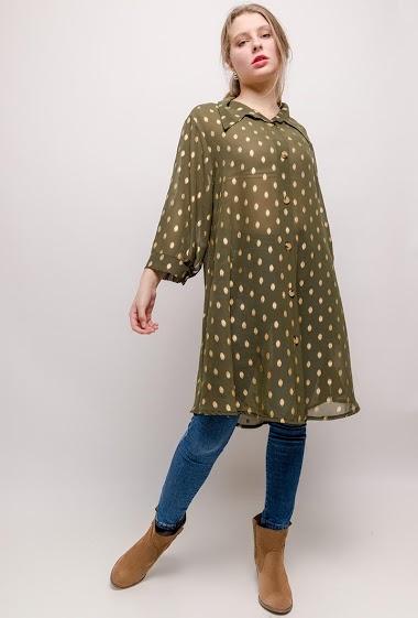 Transparente printed shirt. The model measures 170cm and wears T3=18-20(UK)/46-48(FR). Longueur:105cm