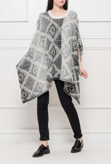 Knit poncho with pattern