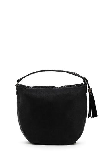 Shoulder bag. Dimension:  34*31*14 cm