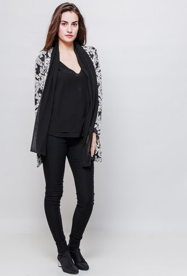 Cardigan con flores, transparent border, open front. The model measures 172cm and wears S/M