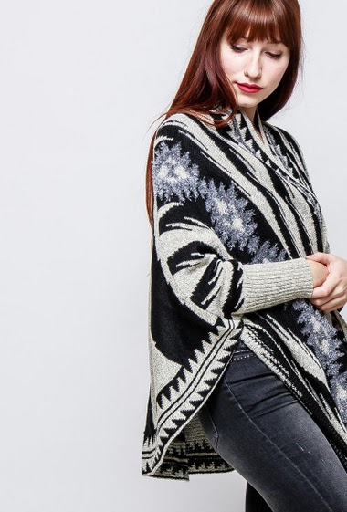 Long cardigan, ethnic pattern, open front. The model measures 174cm, one size corresponds to 38-40