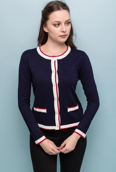 Cardigan with pearls buttons. The model measures 170cm and wears S/M. Length:55cm