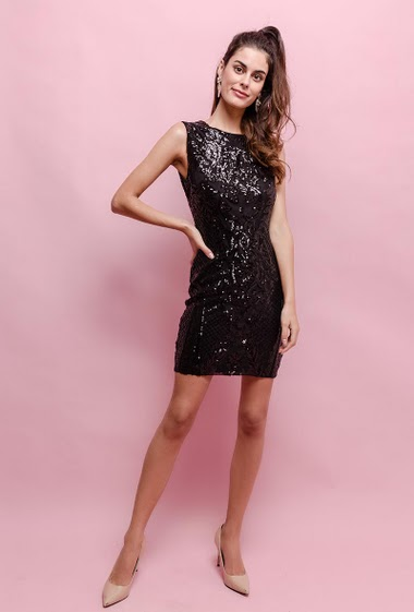 Dress perfect for parties. The model measures 176cm and wears S. Length:90cm