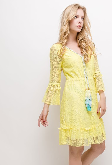 Lace dress with V neck and braided detail, tassels. The model measures 170cm and wears S/M. Length:90cm