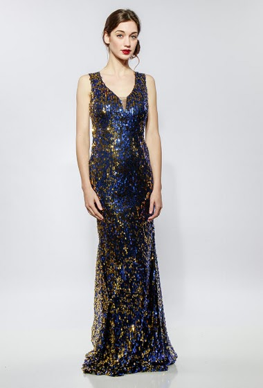 Sleeveless dress in sequins. The model measures 177cm and wears S - Composition other: PET