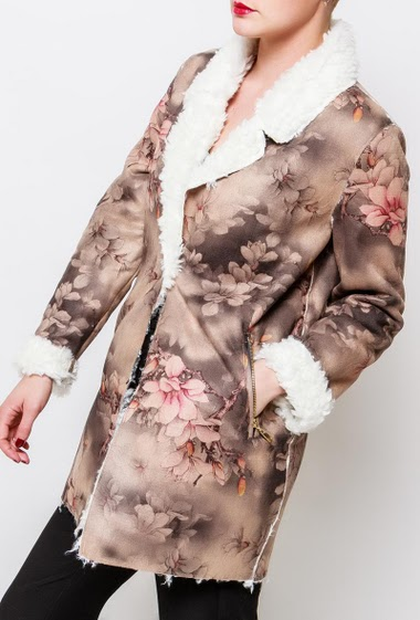Suede jacket with zipped pockets, printed flowers. The model measures 170cm and wears S