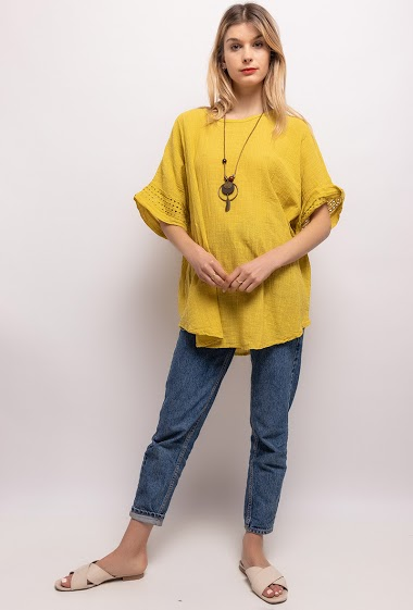 Cotton blouse with necklace