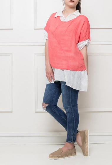Set with 2 clothes, a shirt with roll-up sleeves and side slits, top with short sleeves