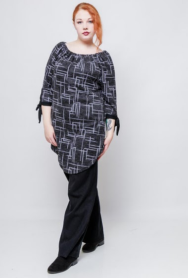 Checked tunic, 3/4 sleeves with tie detail. The model measures 172cm, one size corresponds to 42/44