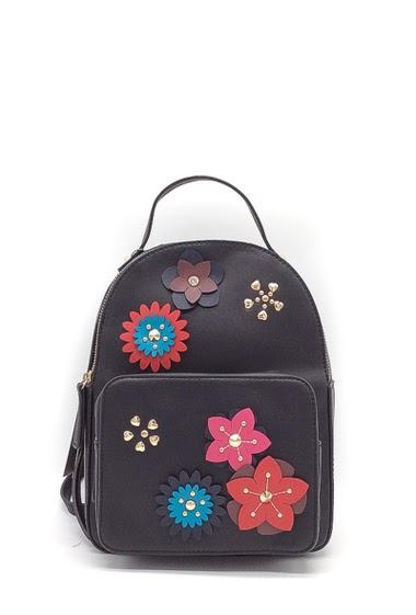 Hand bag Dimension : 22x9x27 cm