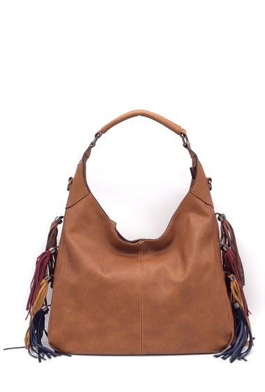 Hand bag Dimension : 41x12x34 cm