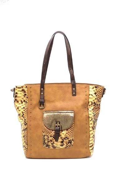 Hand bag Dimension : 43x13x34 cm