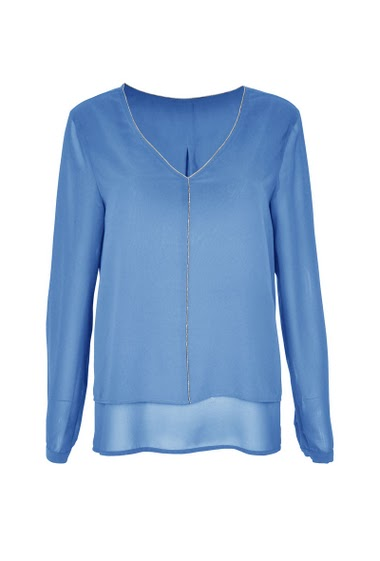 V-neck blouse with long sleeves, lined with chain, double height