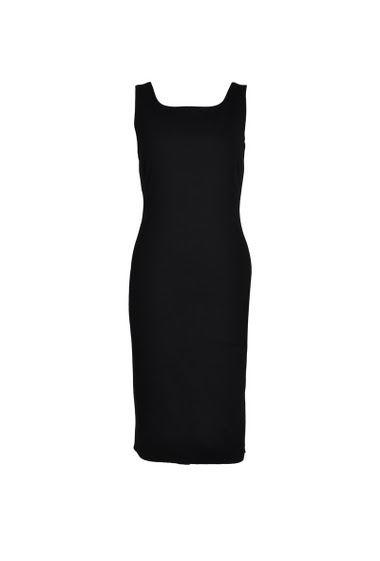 Fitted sleeveless dress for a stylish look