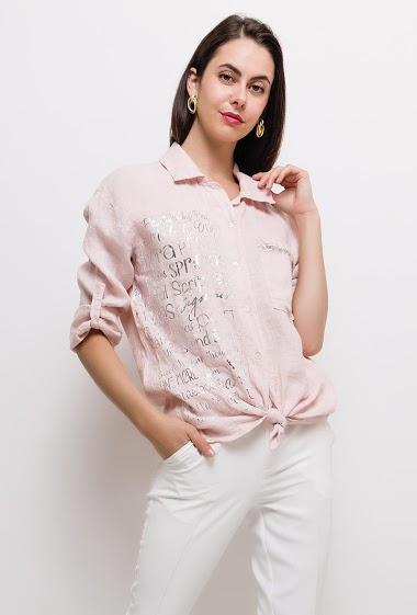 Shirt with silver shiny print. The model measures 175cm, one size corresponds to 10/12(UK) 38/40(FR). Length:75cm