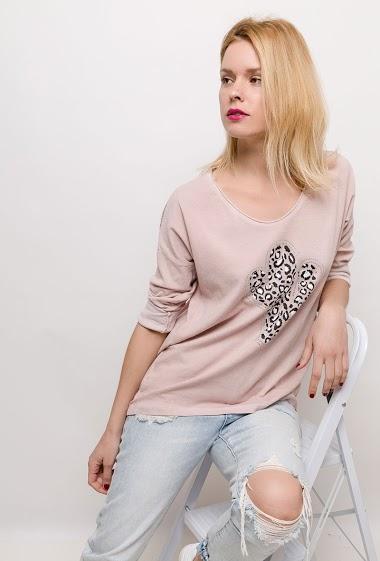 T-shirt à manches longues avec bandes brillantes, cactus léopard avec strass. La mannequin mesure 177cm, TU correspond à 38/40. Longueur:74cm