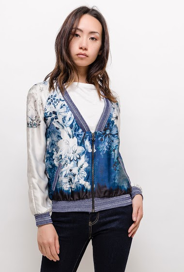 Bomber with printed flowers. The model measures 170cm, one size corresponds to 10/12(UK) 38/40(FR). Length:55cm