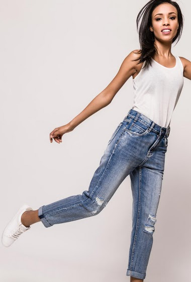 Ripped jeans in cotton. The model measures 170cm and wears S/8