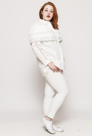 Long sleeve shirt. The model measures 172cm and wears S/M= 12/14. Length:83cm