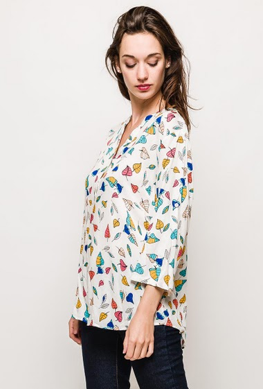 The model measures 174cm and wears T2=16(UK)/44(FR). Length:75cm
