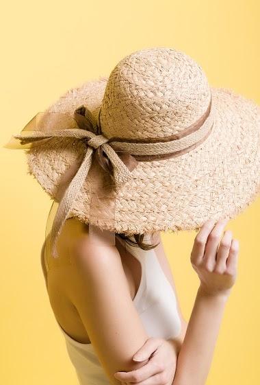 BY OCEANE straw hat<