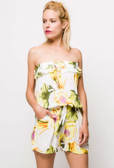 Off shoulder playsuit with flowers. The model measures 177cm and wears S. Length:82cm