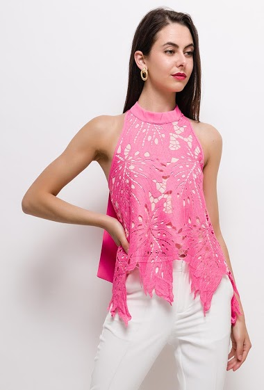 Lace tank top, open back. The model measures 177cm and wears S. Length:55/70/70cm