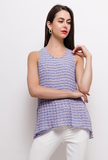 Printed sleeveless top. The model measures 175cm and wears S. Length:75cm(back)