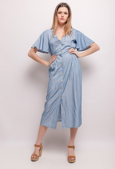 Buttoned midi dress. The model measures 171cm and wears S. Length:122cm
