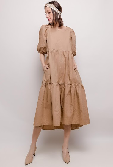 Loose dress. The model measures 178cm and wears M. Length:129cm