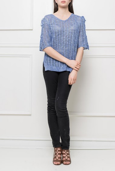 Knit top with lace-up short sleeves, side slits, regular fit