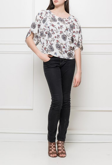 Cropped top with printed flowers, short sleeves