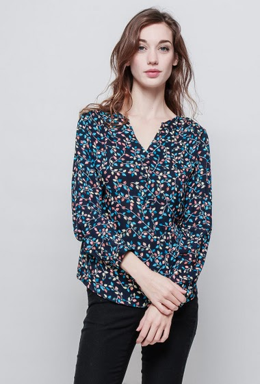 Blouse with V neck, printed flowers, fluid fabric, soft touch. The mannequin measures 177 cm and wears S