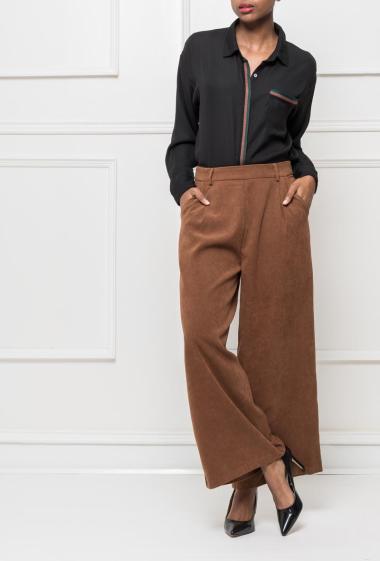Pantalon chic avec zip sur le côté, coupe évasée