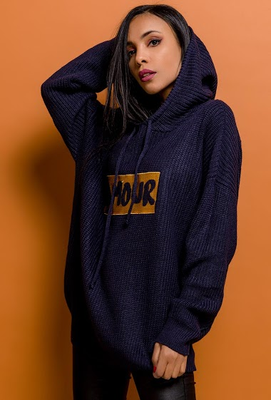 Hooded sweater AMOUR. The model measures 170cm, one size corresponds to 10/12(UK) 38/40(FR). Length:70cm