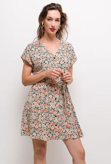 Robe à imprimé fleurs, manches courtes. La mannequin mesure 177cm et porte du M. Longueur:90cm