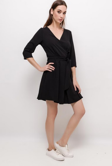 Flared dress, 3/4 sleeves. The model measures 177cm and wears S. Length:90cm