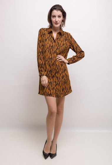 Printed dress or long shirt. The model measures 178cm and wears S. Length:90cm