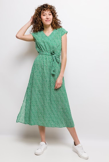 Printed midi dress. The model measures 177cm and wears S. Length:125cm