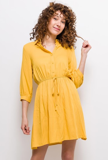 Dress with buttons. The model measures 177cm and wears S. Length:95cm