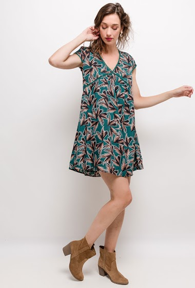Regular dress, short sleeves, lining. The model measures 177cm and wears S. Length:90cm