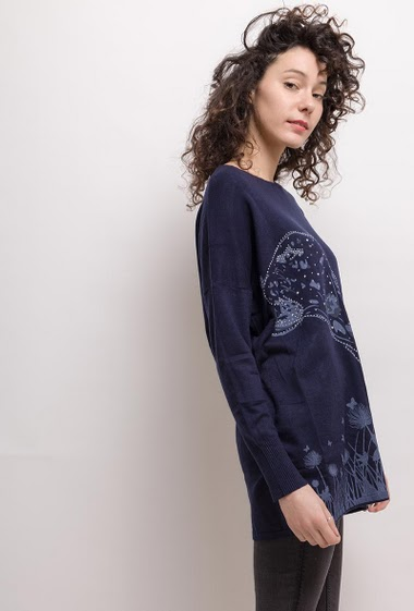 Sweater with tiger print. The model measures 177cm, one size corresponds to 10/12/14(UK) 38/40/42(FR). Length:75cm